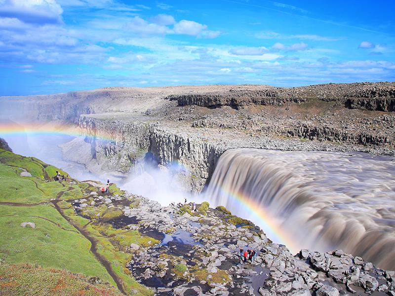 BILFERIE PÅ ISLAND_Komplett bilferie rundt Island med Din Islandsreise_Opplev Dettifoss på Island © Din Islandsreise