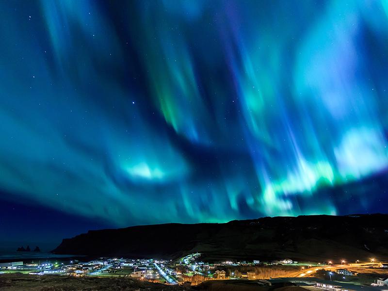 JUL OG NYTTÅR PÅ ISLAND_Feir jul på Island_Opplev det vakre nordlyset på Island © Din Islandsreise