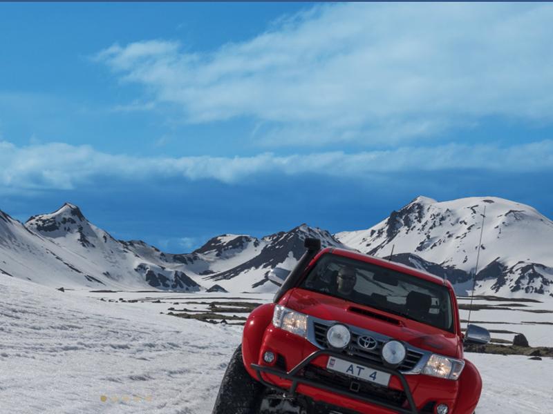 SUPER JEEP TURER PÅ ISLAND_Self Drive Super Jeep på Island_Landmannalaugar © Din Islandsreise