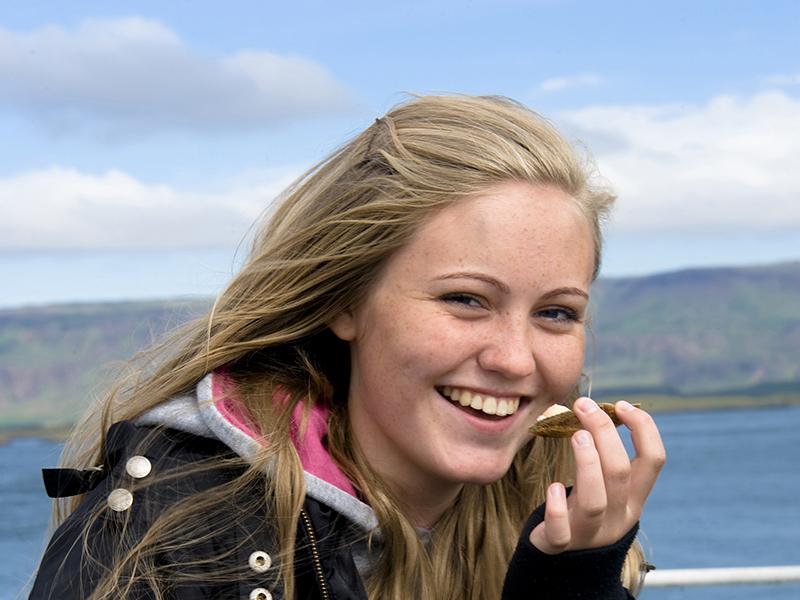 WEEKENDTUR PÅ ISLAND MED GASTRANOMISKE OPPLEVELSER_God mat og matopplevelser på Island_Ferske islandske råvarer fra sjøen © Din Islandsreise
