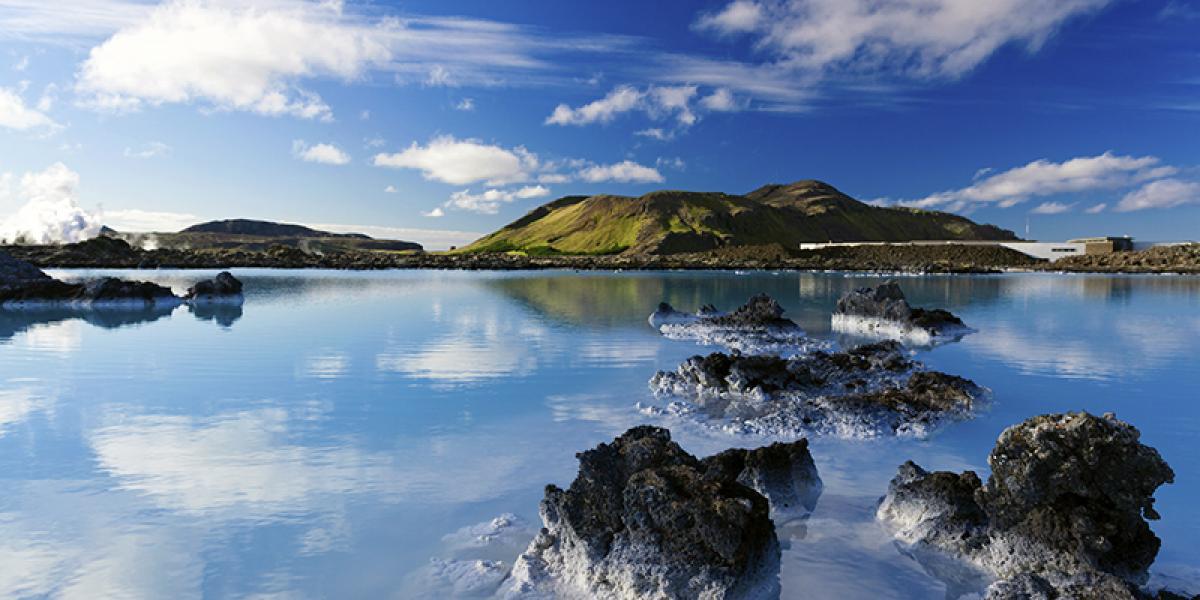 BILFERIE PÅ ISLAND_Bilferie gjennom det vakre Sør-Island_Den Blå Lagune på Island © Din Islandsreise