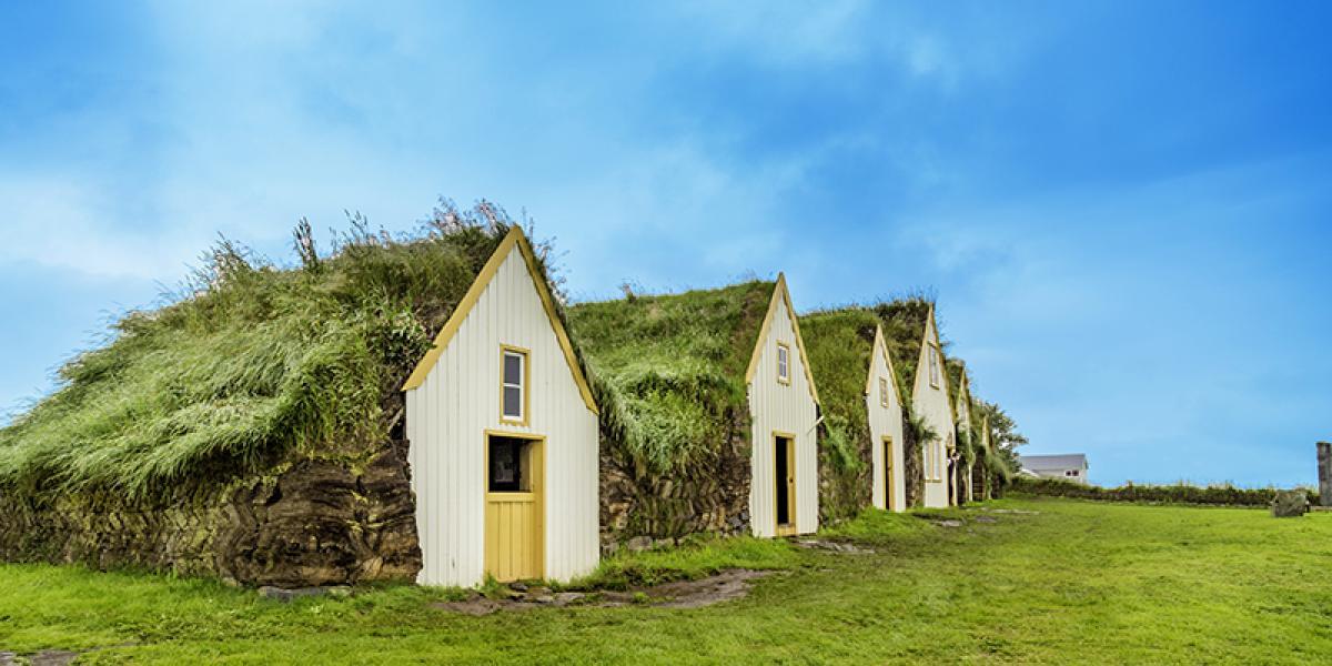 BilFERIE PÅ ISLAND_Klassisk bilferie rundt Island_Torvgården Glaumbær © Din Islandsreise