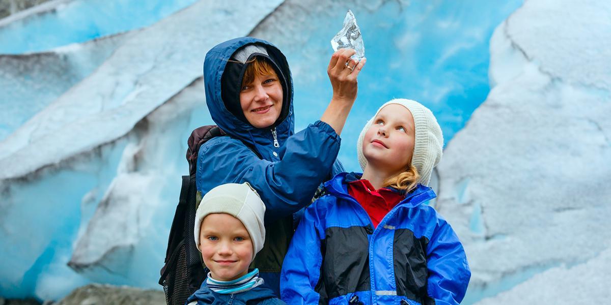 FAMILIEFERIE PÅ ISLAND_Barnevennlig vinterferie på Island_Aktiviteter på Island for store og små © Din Islandsreise