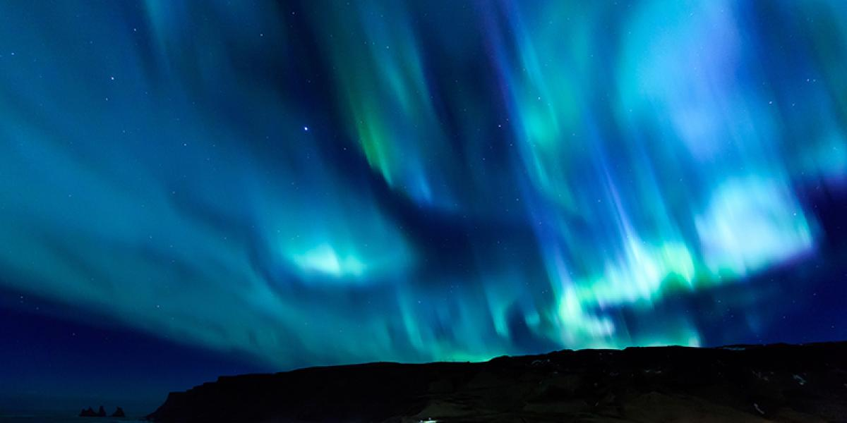 JUL OG NYTTÅR PÅ ISLAND_Nyttårsfeiring i Reykjavik_Eksklusiv nyttårsaften i Reykjavik_Opplev spektakulært nordlys på nyttårstur til Island © Din Islandsreise
