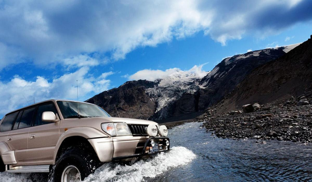 SUPER JEEP TURER PÅ ISLAND_Guidet Super Jeep tur på Island © Din Islandsreise